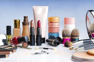 Get Reasonably Priced Cosmetics without Compromising on the Quality